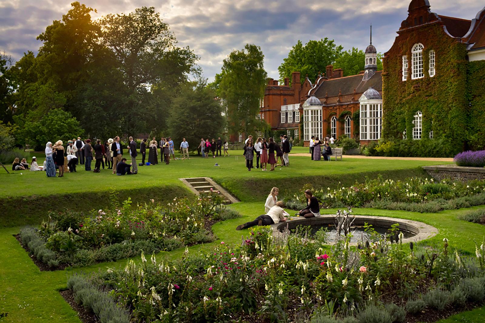 Tour of the Gardens | Newnham College