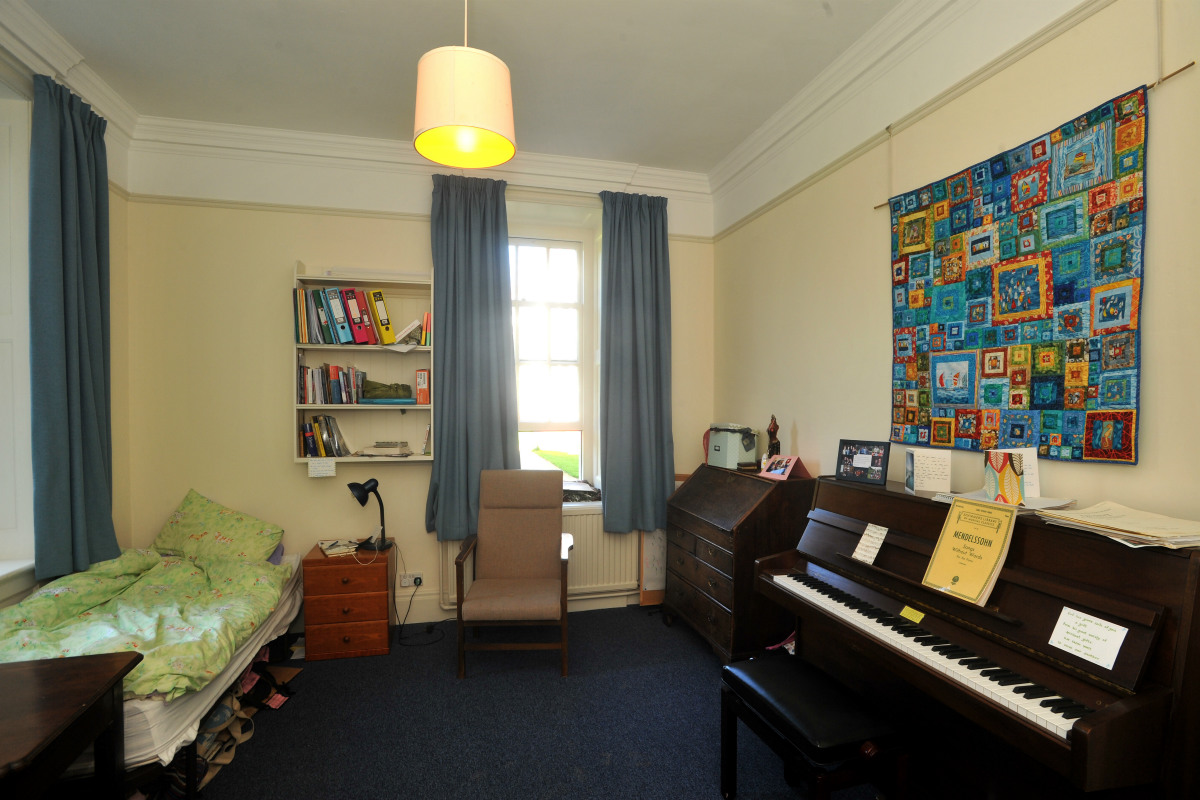 Undergraduate Room with a piano