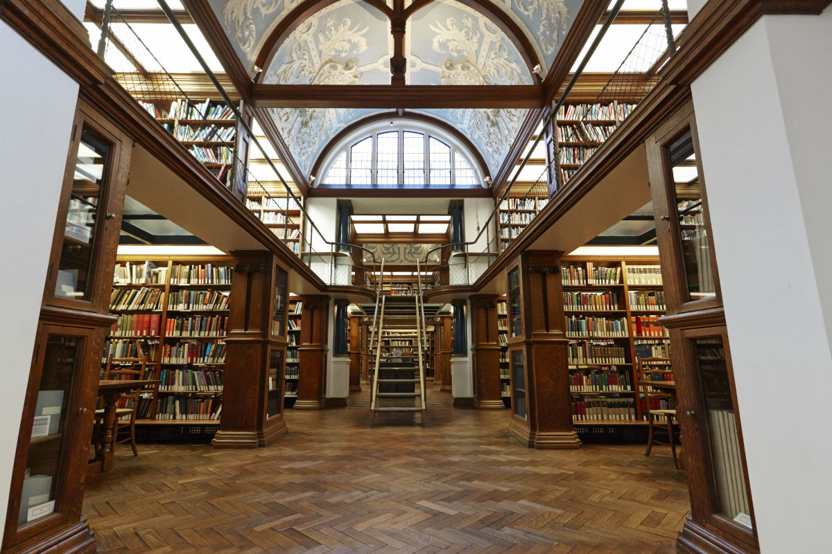 Stunning Yates Thompson library