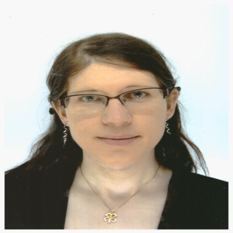 Dr Stephanie Smith